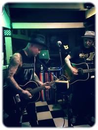 今宵はJOE STRUMMER NIGHT ACOUSTIC開催です! - Brixton Naoki`s blog