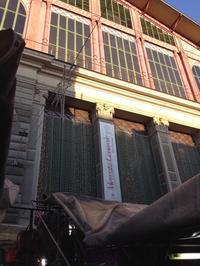 中央市場の一階にお寿司ブースが登場! - フィレンツェのガイド なぎさの便り