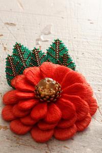 フェルト刺繍作品制作過程~No5 ビーズステッチの葉をさらに制作~ - ビーズ・フェルト刺繍作家PieniSieniのブログ