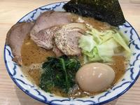金沢(新保本):麺屋 夕介 「ブラックとんこつ」 - ふりむけばスカタン