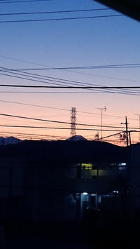 富士山と月と柴犬 - NANAIROYAKUMO
