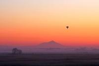 フワリ!熱気球現る! 筑波山とのコラボレーションを撮れた♪ - 『私のデジタル写真眼』
