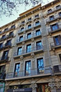 Gran Viaの建物めぐり10 Casa Garriga Nogues - gyuのバルセロナ便り  Letter from Barcelona