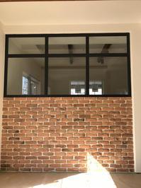アイアンフレーム窓 2  階段手摺 - sol y sombra  【IRON WORK FACTORY 】