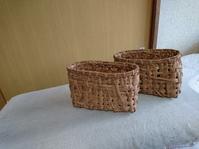 葡萄下籠に刺し子布を合わせて ポシェット - 古布や麻の葉