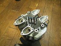 1951TRIUMPH T100 シリンダーヘッドバルブガイドホール - Vintage motorcycle study