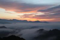 高千穂 雲海 11月13日 - 光と影のさがしもの