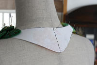 フェルト刺繍作品制作過程~No14 留め具の型紙製作~ - ビーズ・フェルト刺繍作家PieniSieniのブログ