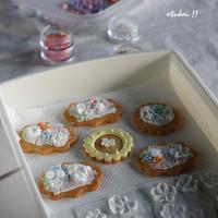 アイシングクッキー お花絞り - トールペイントとポーセラーツ アトリエ おつかいサンタさん