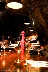チェコブロガーツアー:街の地下道トンネルを楽しめる地下レストラン 「Restaurant Rango」 プルゼニュ - IkukoDays