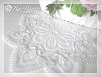 リュネビル刺繍のドイリー♪ - Rosy Rosette カルトナージュ日記