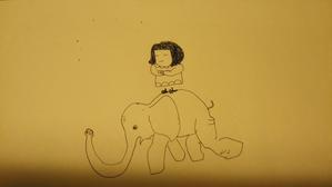 象の背中に立つマッシューちゃん - 今日と明日を生きてたら