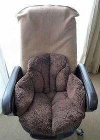 腰を包む座れる毛布 - TimeTurner