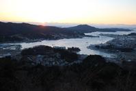 東日本大震災現地からの復興報告の必要性・・・鉄道写真も追加して、気仙沼安波山からの日の出 - 藤田八束の日記