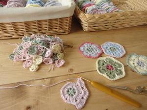 カラフルなお花モチーフ編み編み中* - Natural style*