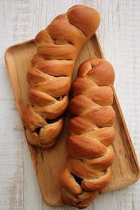 くるみとチョコのあみパンと、白ベーグルサンド(パン・スイーツ部門) - Takacoco Kitchen
