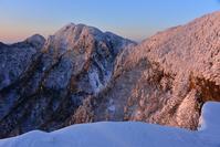 白い樹氷の森  伯母谷覗~阿弥陀の森 - 峰さんの山あるき