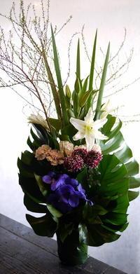 翌日の四十九日に。北25条西13にお届け。 - 札幌 花屋 meLL flowers