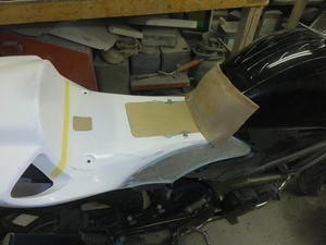 VTR250RRカスタムプロジェクト vol.3 - FRP屋さんのパテマミレ樹脂まみれ