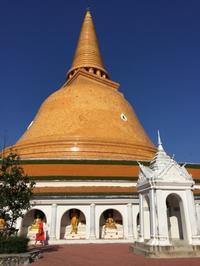 仏教伝来の町、巨大仏塔プラ・パトム・チェディへ@ナコンパトム - ☆M's bangkok life diary☆