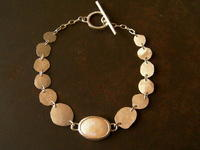 オパール○○ブレスレット - 石と銀の装身具