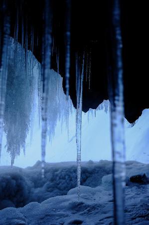 氷瀑* - アオイソラ