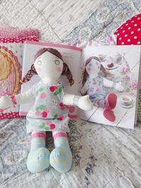 キャスの人形用のワンピースを縫いました☆ - ドイツより、素敵なものに囲まれて