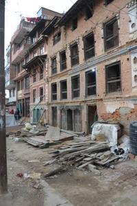 2015年のネパール地震の傷跡 - アーバン・ガーデン・ウォッチング