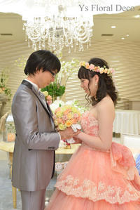 サーモンピンクのドレスにあわせるブーケと花冠 - Ys Floral Deco Blog