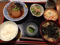 金沢(窪):手作りごはん屋さん たから食堂 「日替わり定食」「鶏の唐揚げ定食」 - ふりむけばスカタン