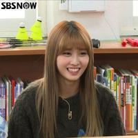 TWICE モモ、学生たちから韓国語を学ぶ?「ハングルが上手くない外国人アイドル」として特別番組に出演 - Niconico Paradise!