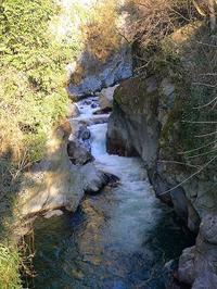 メラーノ、川沿いの遊歩道 (Sudtirol) - エミリアからの便り