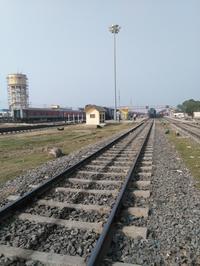 【動画】リクシャで線路から駅に突入も・・・ - インド現地採用 生活費記録