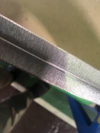 アルミA5052 9ミリの切断面 - ステンレスクリーンカットのレーザーテック