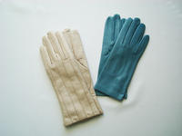 フィレンツェでキレイ色の手袋を買う - ケチケチ贅沢日記