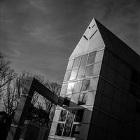 2017年2月3日 冬陽を隠し持つ美術館 (写真部門) - Silver Oblivion