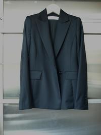 メゾンマルタンマルジェラ出身の日本人デザイナーtomoumi onoによる通称『名前の無いブランド』から新作レディースジャケット - FASHIONSCAPE-TOWNSCAPE