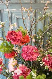 送別の花束 桜と雪柳 - 北赤羽花屋ソレイユの日々の花