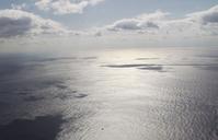 東シナ海 一瞬の平和    東京カラス  - 東京カラスの国会白昼夢