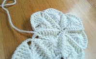 試行錯誤のモチーフ繋ぎ - 空色テーブル  編み物レッスン&編み物カフェ