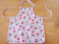 キャスの布地で子供用エプロンを縫いました☆ - ドイツより、素敵なものに囲まれて