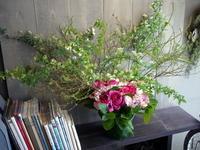 保育園の6周年に。本郷通8丁目北にお届け。 - 札幌 花屋 meLL flowers