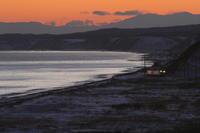 夕闇迫る冬の海辺をキハが走る - 2017年冬・根室本線 - - ねこの撮った汽車