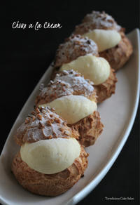 手土産に定番シュークリームを - Tortelicious Cake Salon