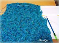 編みかけのプルオーバー♪ その2 - ルーマニアン・マクラメに魅せられて