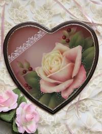 ハートのウッドに描いた 薔薇の作品 - 大畑悦子の想い出ペインティング