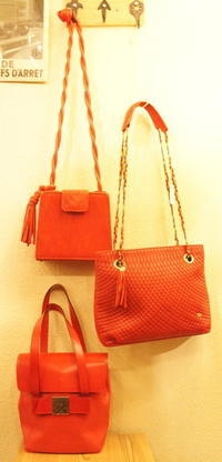 Red bags, Black bags - carboots