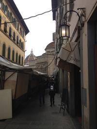 食べ応え十分の大きなチェンチ - フィレンツェのガイド なぎさの便り