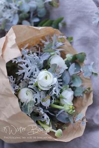 FLOWER #23 冬色ブーケ*ホワイトラナンキュラス - フォトジェニックな日々