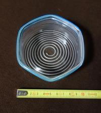 ガラス器 六角皿 鉢 白渦巻き模様  - BellePhoto